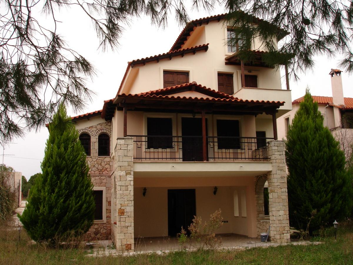 GALAXIAS, Halkidiki-Kassandra, Greece - The spacious residence in the style of traditional Greek architecture is situated in a very picturesque place.