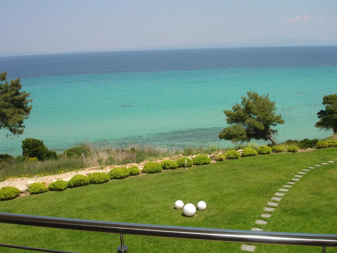 VILLA ZAFIRI, Halkidiki-Kassandra, Greece - One of the most attractive offers on the market of real estate in Halkidiki. The villa is ready to move in, including