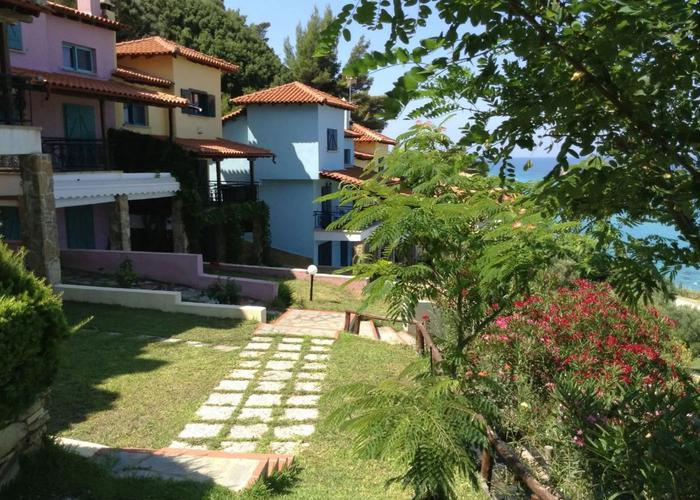 GALAZIO, Halkidiki-Kassandra, Greece - The furnished house by the sea with 700m2 land plot