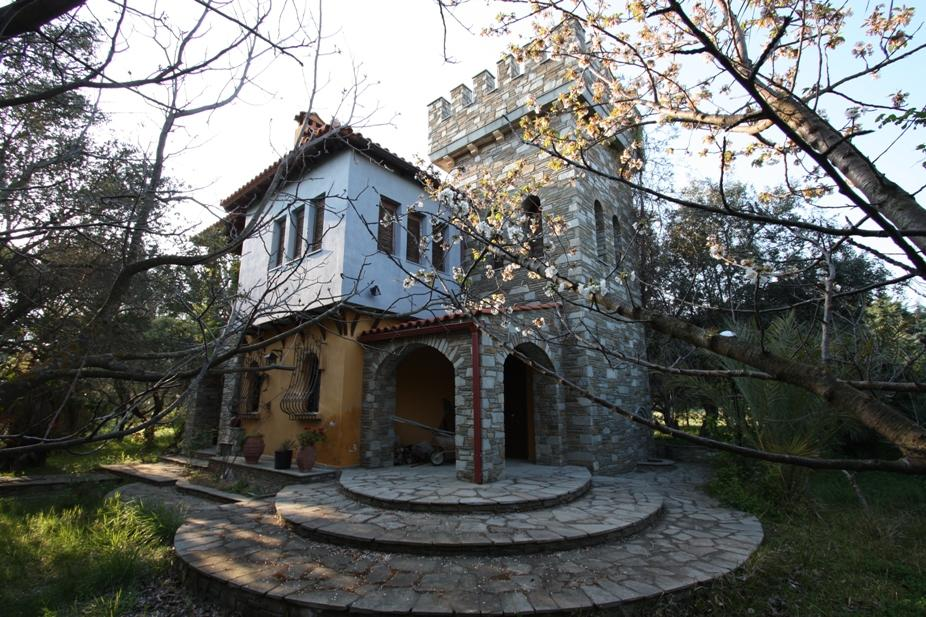 VILLA PIRGOS, Halkidiki-Sithonia, Greece - Exclusive villa in the style of traditional architecture with a large garden