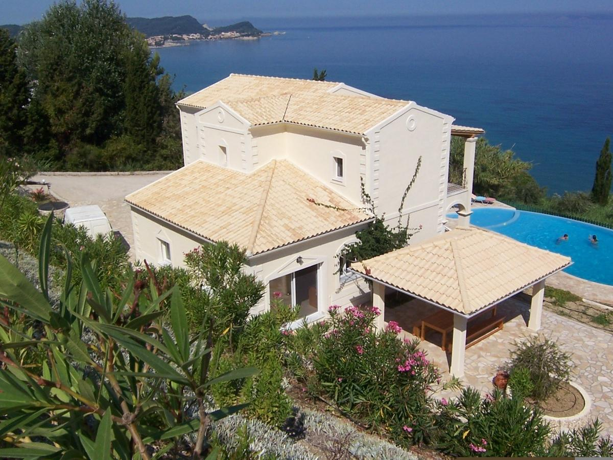 Octopus, Ionian Islands, Greece - Apartment on the 1 line of the sea, ready to move in
