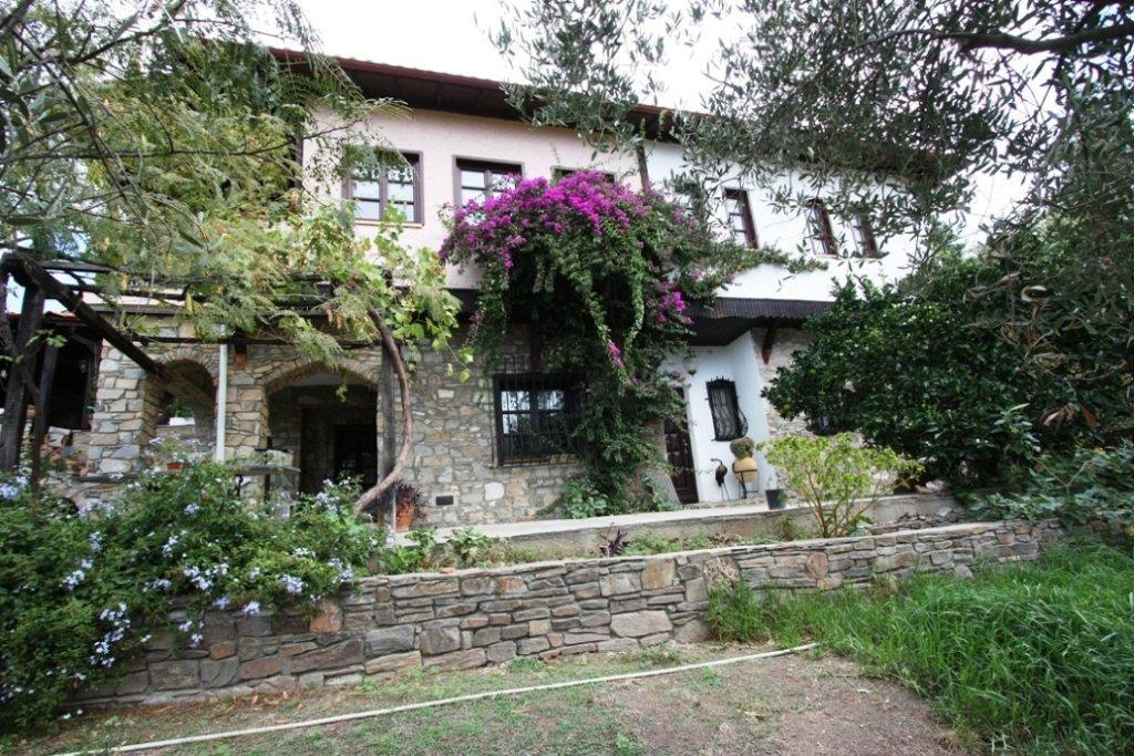 Mantemi, Halkidiki-Sithonia, Greece - Excellent traditional Greek villa in an authentic village for holiday or permanent residence