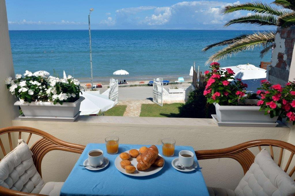 Aharavi, Ionian Islands, Greece - Apartment on the 1 line of the sea for a great holida
