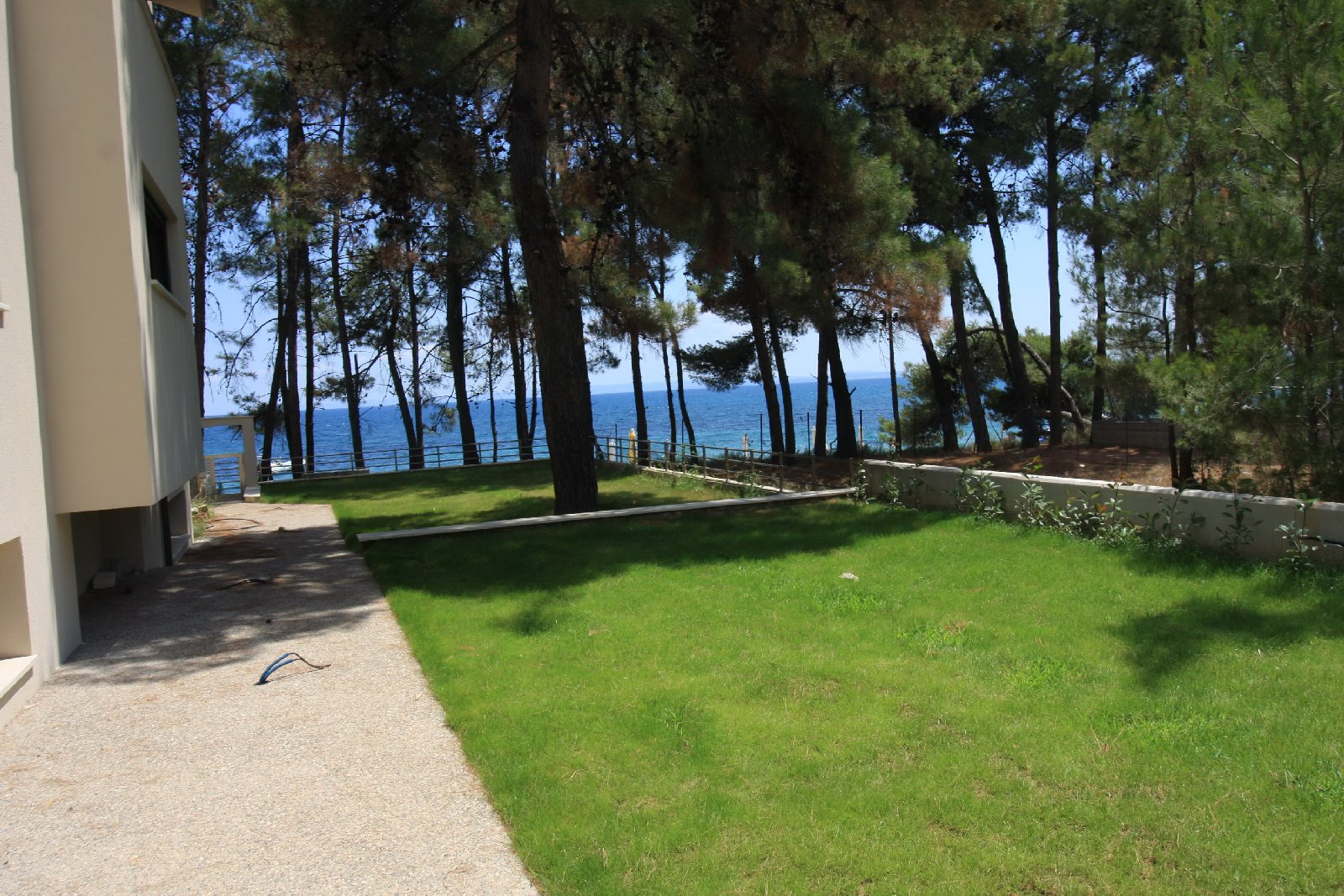 Todoros, Halkidiki-Sithonia, Greece - large new villa on the 1 line among the pines + a residence permit for 5 years for the whole family