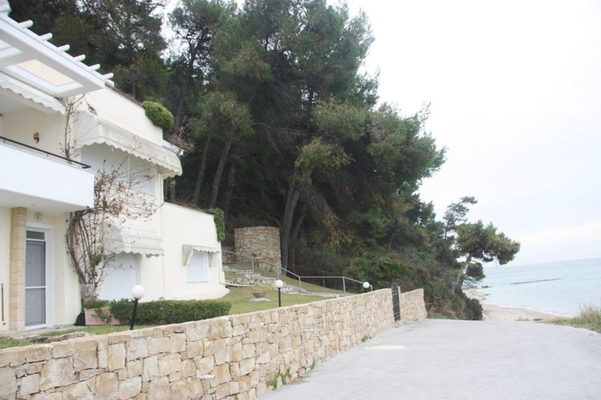 Afael, Halkidiki-Kassandra, Greece - beachfront appartment by the sea next to pinetree forrest