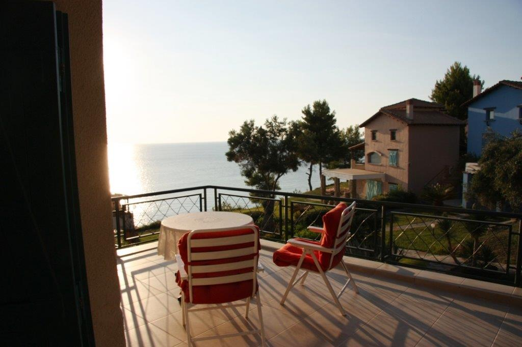 Lefkopetra, Halkidiki-Kassandra, Greece - beachfront cottage in gated complex