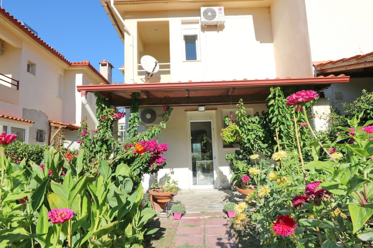 Pina Petalida, Halkidiki-Kassandra, Greece - cozy house for summer vacation by the sea with 4-5 bedrooms