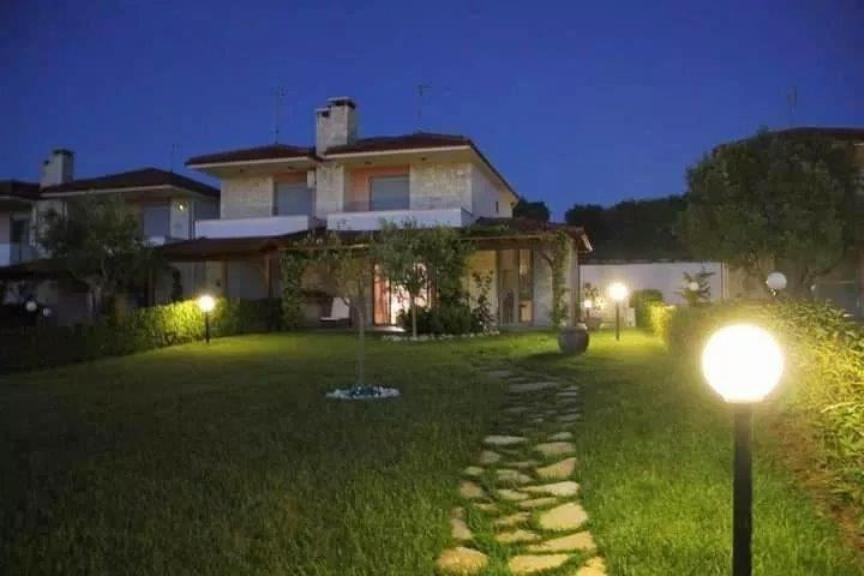 Euphorbia, Halkidiki-Kassandra, Greece - cottage by the sea for vacation and rest