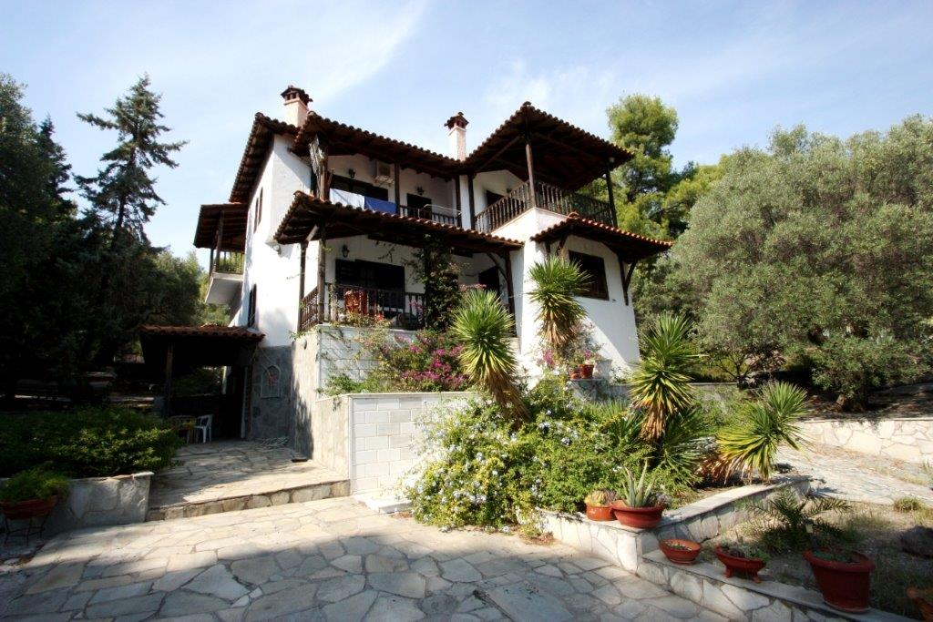 Peristeri, Halkidiki-Sithonia, Greece - traditional greek villa inside the pinetrees in Sithonia for sale