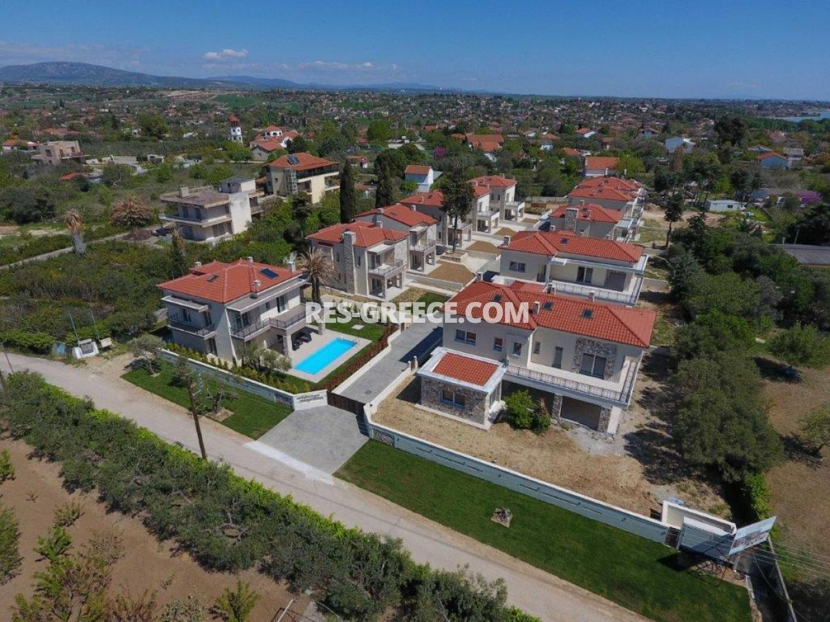 Mesimeri 1, Halkidiki-Kassandra, Greece - modern gated complex by the sea for vacation or rent - Photo 11