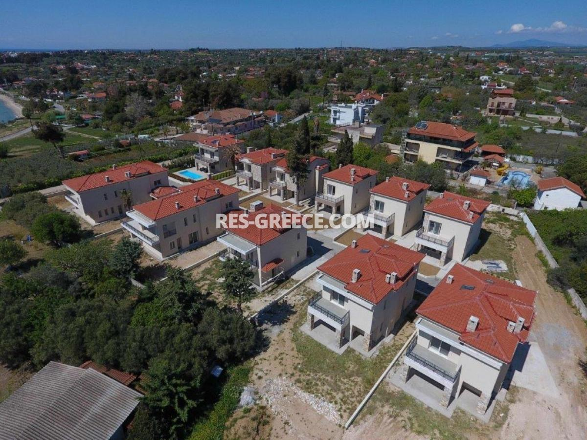 Mesimeri 1, Halkidiki-Kassandra, Greece - modern gated complex by the sea for vacation or rent - Photo 2