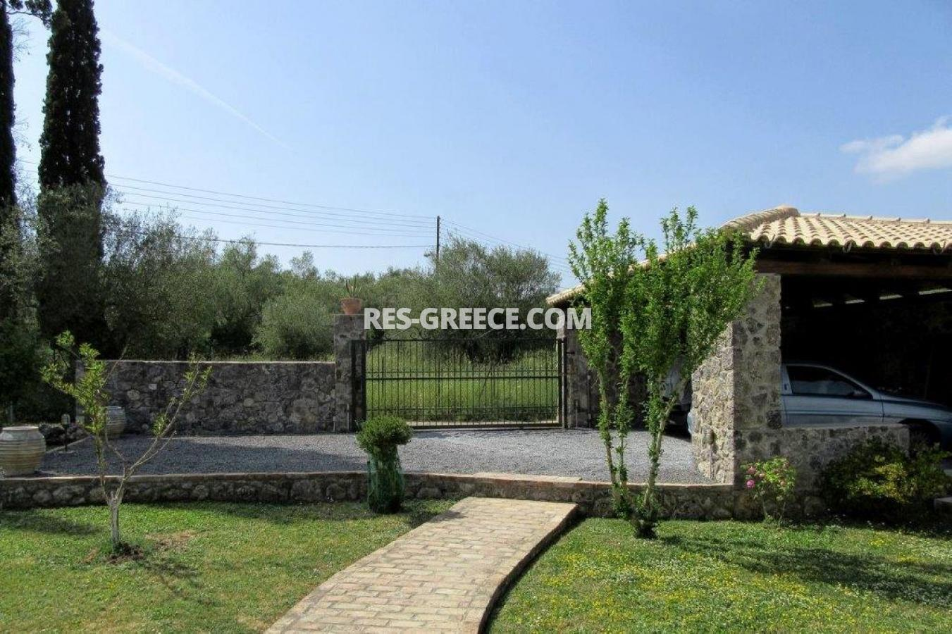 Poulades, Ionian Islands, Greece - Mediterranean bungalow for sale in Corfu - Photo 17