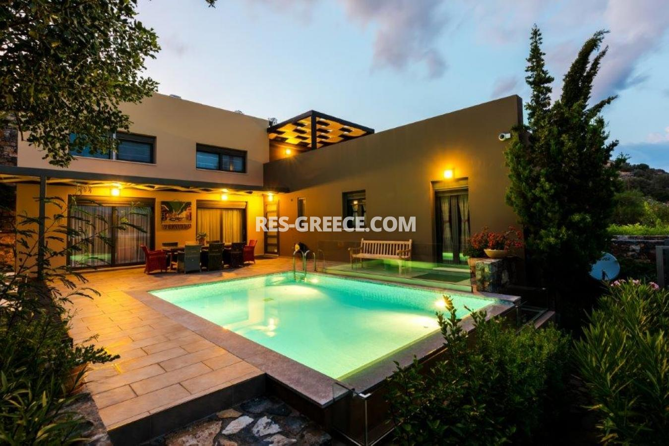 Aura Blue, Crete, Greece - villa with pool for sale in the best spot in Crete, in Elounda - Photo 1