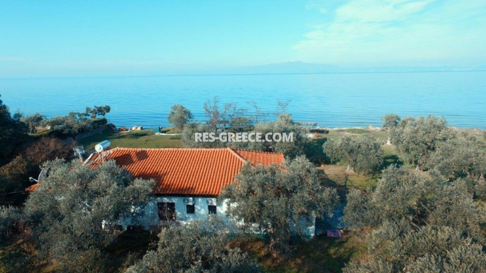 Pilos, Northern Aegean Islands, Greece - big beachfront plot with the for house for reconstruction - Photo 6