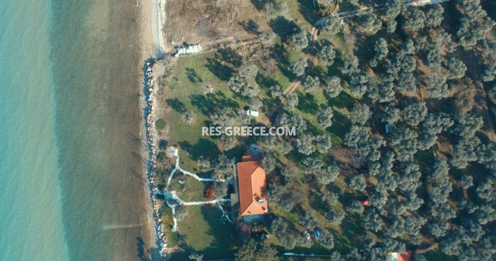 Pilos, Northern Aegean Islands, Greece - big beachfront plot with the for house for reconstruction - Photo 16